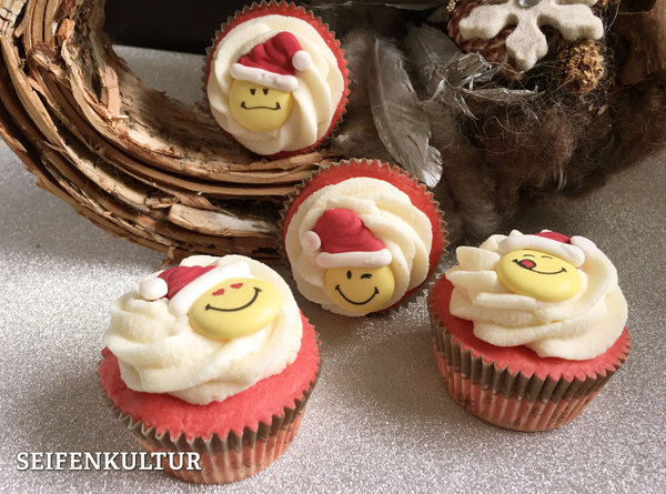 "Cremebadecupcake ""Holiday Fun"""
